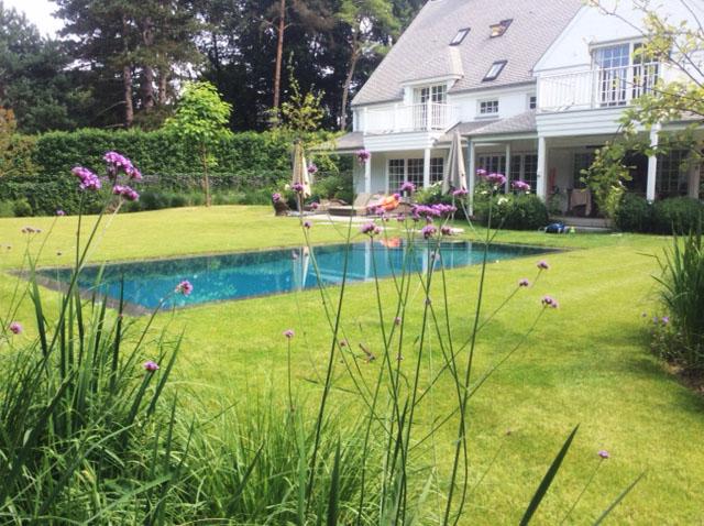 GR Zwembaden Contact